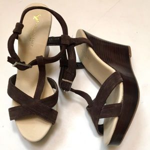 NWT American Eagle Suede Wedge Sandals